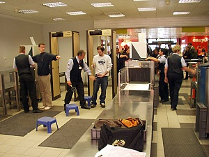 airport security persuasive essay net berlin schonefeld airport metal detectors
